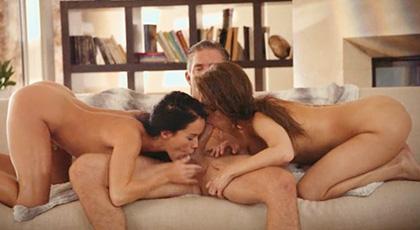 Riley Reid y Megan Rain comparten polla y orgasmos como buenas amigas