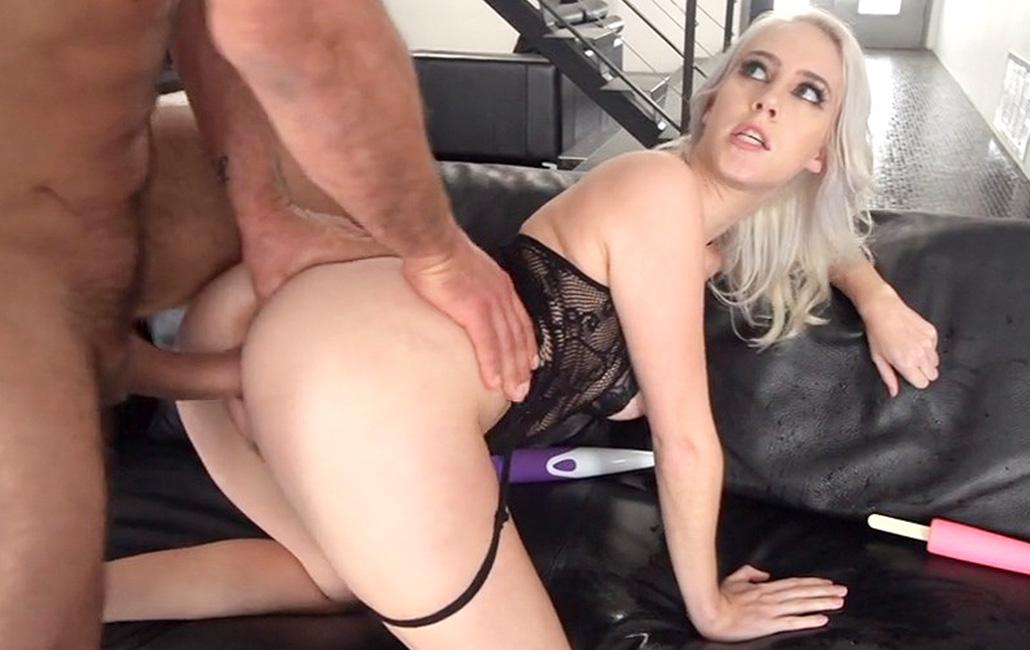 Rubia estrella porno follada duro