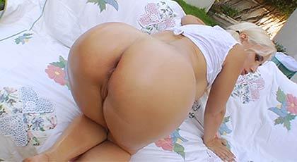 La rubia quiere anal