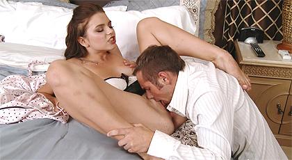 Liandose con la criada