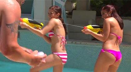 Mañana en la piscina con mi prima y su amiga