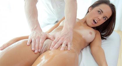 Slutload sexy rubia masaje