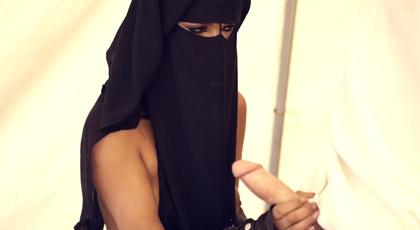 Secuestro con sexo en el desierto