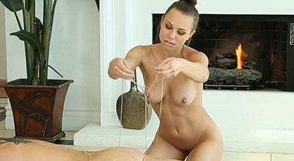 Los ardientes masajes de Aidra