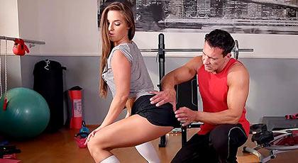 Amirah Adara en un día intenso de placer en el gimnasio