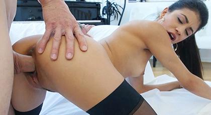si quirees disfrutar del mejor sexo, Veronica Rodriguez es la latina que necesitas en tu vida