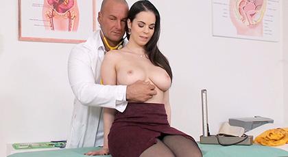 Nekane es el sueño sexual perfecto de cualquier ginecólogo