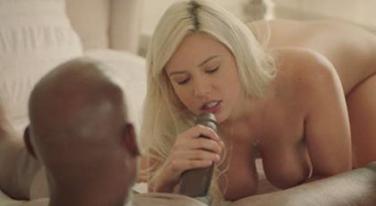 Kylie Page cumpliendo sus deseos de ser penetrada por un hombre negro bien dotado