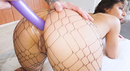 Porno anal del bueno con la latina Abella Danger