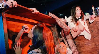 Orgía de Swingers en el club