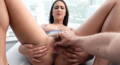 Sexo POV con la viciosa Ashley Adams