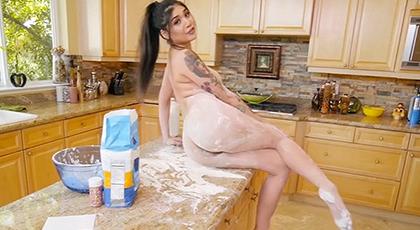 Buscando sexo en la cocina