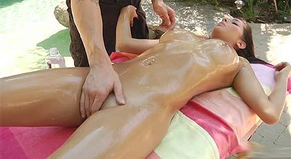 Masaje en el jardín con Megan