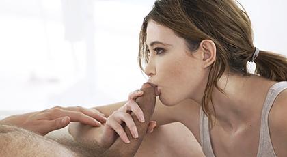 Sensual porno con preciosa morena