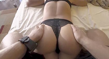 Vídeos amateur, el culito en bragas de mi mujer