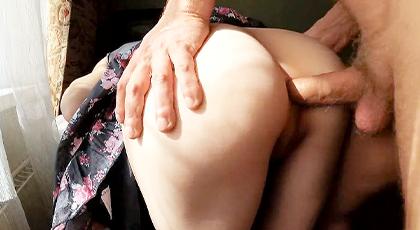 Videos amateur, primero por el coño y luego el culo