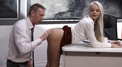 Profesor nunca había visto un culito tan tierno