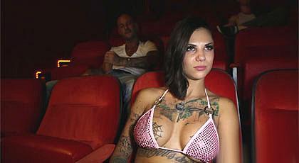 Bonnie Rotten va al cine X
