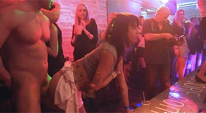 Orgía en la discoteca