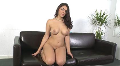 Valentina Nappi en un casting porno