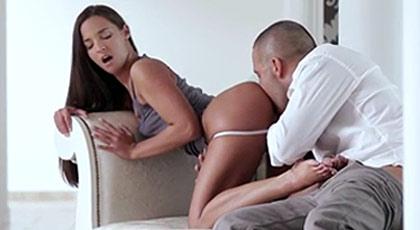 Porno glamcore con Amira