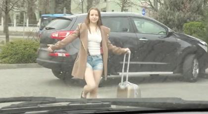 Una joven rusa en Autostop