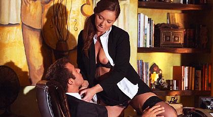 Juegos sexuales con Maddy en la oficina