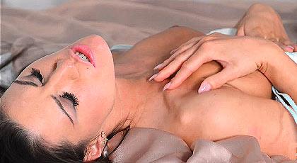 Sexo sensual con una chica adorable