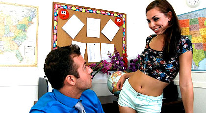 La estudiante seduce al profesor