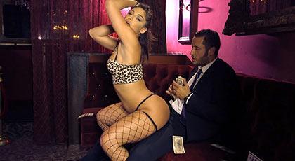 Follando con la mejor stripper de la ciudad
