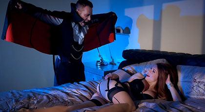 Follando en Halloween con un vampiro