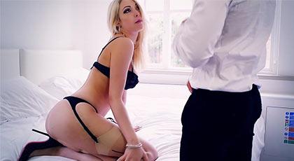 Cuando Tamara grace se pone su mejor lencería es porque quiere un hombre que la haga gozar como se merece su cuerpazo divino