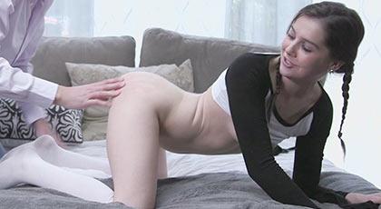 kasey warner la chica de las trencitas que quería ser penetrada por un hombre maduro