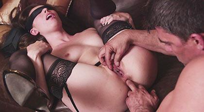 Juegos sexuales con Casey calvert y su lencería erótica más morbosa