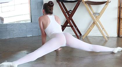 Capri anderson la bailarina cachonda que te la pondrá dura como una piedra
