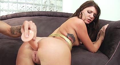 A Cassandra le entusiasma el sexo duro.