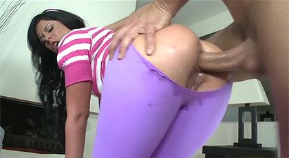 Rompiendo mallas para romper culos.